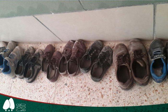 تعمیر رایگان کفش دانش آموزان در منطقه سعدی